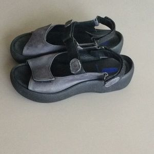 Wolky Gray Suede Walking Shoe Size 38